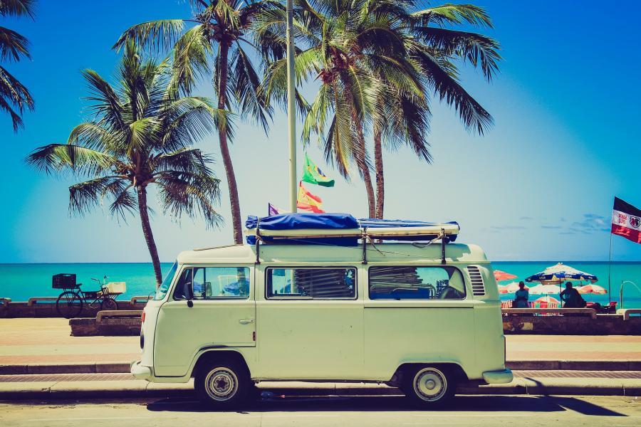 Wakacyjny wyjazd, a ubezpieczenie samochodu